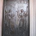 波士頓圖書館入口銅門
