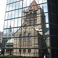 約翰漢考克大樓(倒映著三一教堂)