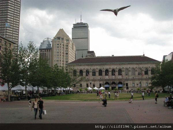 波士頓公眾圖書館