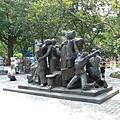 砲台公園--移民雕塑