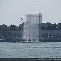 丹麥藝術家奧拉維爾.艾勒森(Olafur Eliasson)在美國紐約港口設計的4座巨型人工瀑布