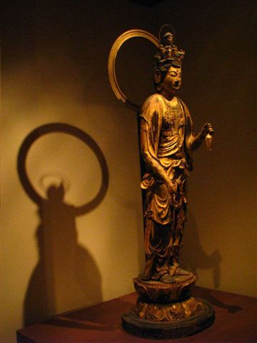 日本菩薩立像