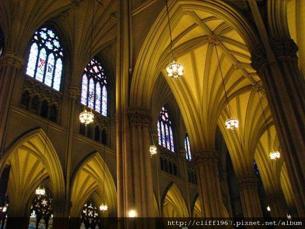 聖派翠克大主教教堂--哥德式肋拱
