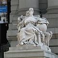 海關大樓門口雕像(歐洲)