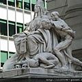 海關大樓門口雕像(亞洲)