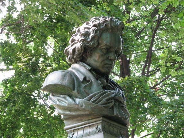 音樂家貝多芬雕像