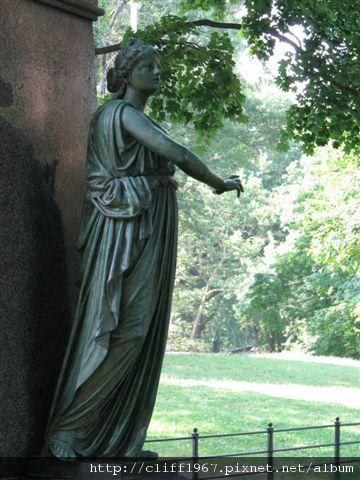 音樂家貝多芬紀念碑上的雕像