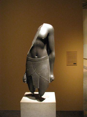 法老王雕像