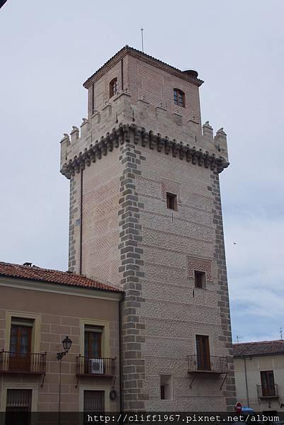 ARIAS DAVILA之塔