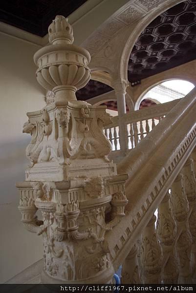 聖十字博物館--華麗階梯