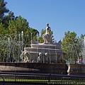 Puerta de Jerez廣場上的噴水池