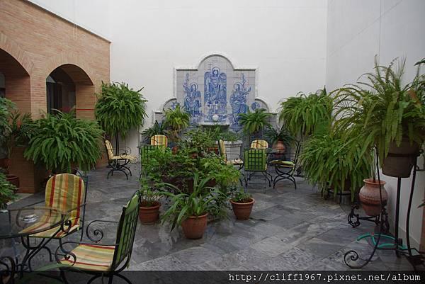 Maestre Hotel的中庭