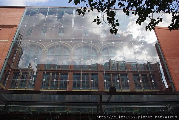 加泰隆尼亞音樂廳--擴建部分的玻璃帷幕