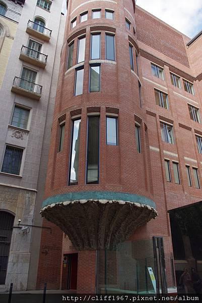 加泰隆尼亞音樂廳--擴建部分的磚造建築