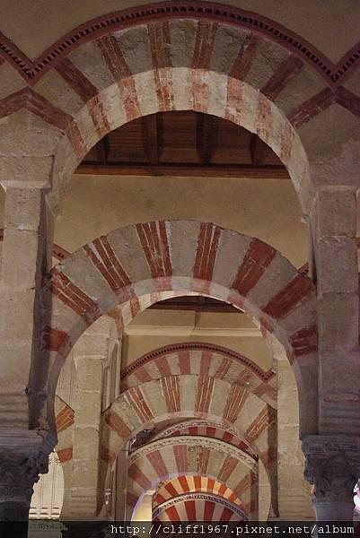 大清真寺連環馬蹄拱