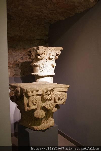 巴塞隆納市立歷史博物館--館藏柱頭