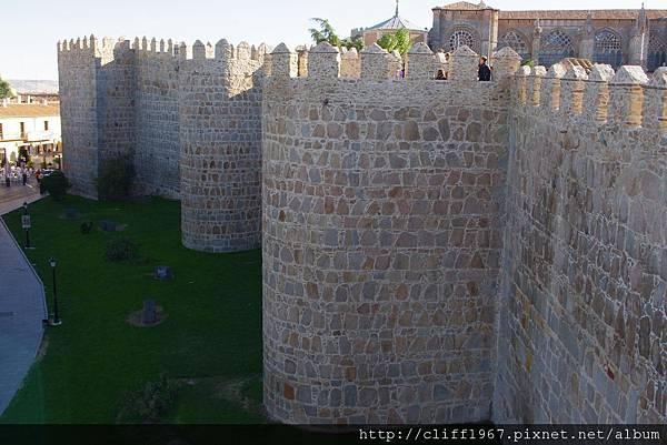 阿維拉古城牆