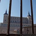由聖十字博物館遠眺阿爾卡扎堡