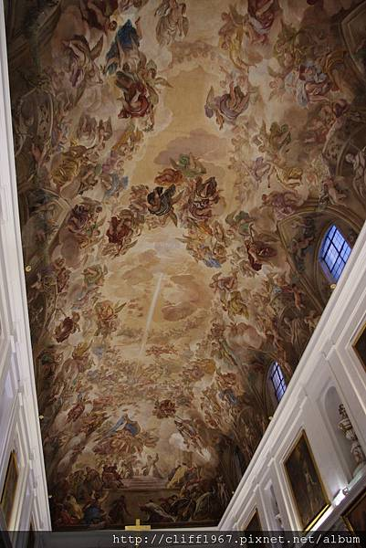 Luca Giordano繪製的濕壁畫(The Sacristy聖器室)
