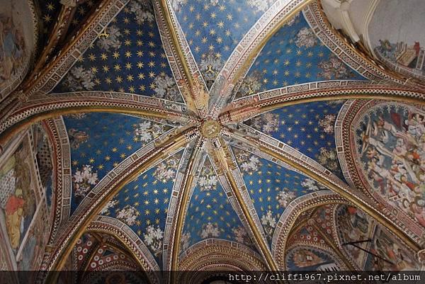 聖BLAS禮拜堂的穹頂
