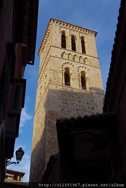 聖多梅教堂的穆迪哈風格鐘塔