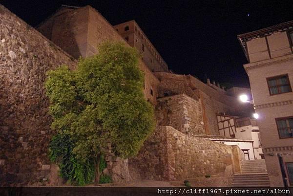 克里斯多德拉魯斯清真寺的外牆