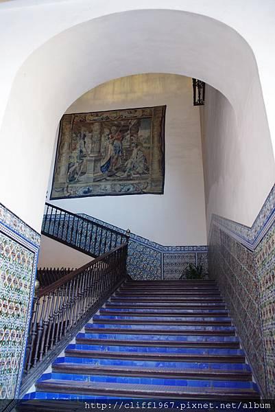 前往繪畫廳的階梯