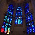 聖家堂內部的彩繪玻璃