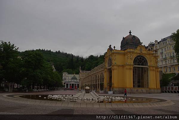 音樂噴泉與溫泉拱廊