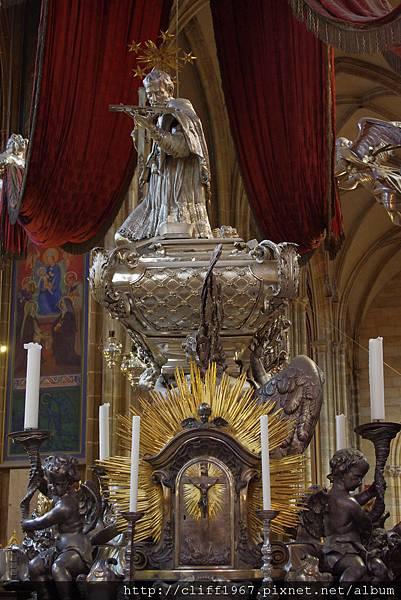 內波穆克的聖約翰銀棺