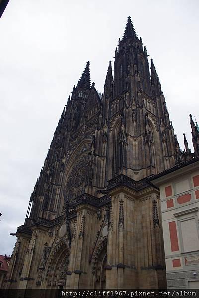 聖誰特大教堂的雙哥德式尖塔