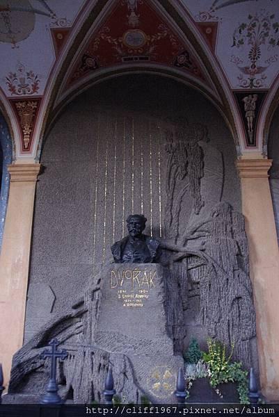 德弗札克之墓