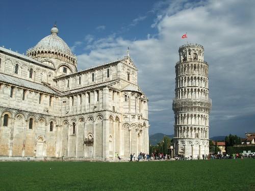 斜塔(Torre Pendente)