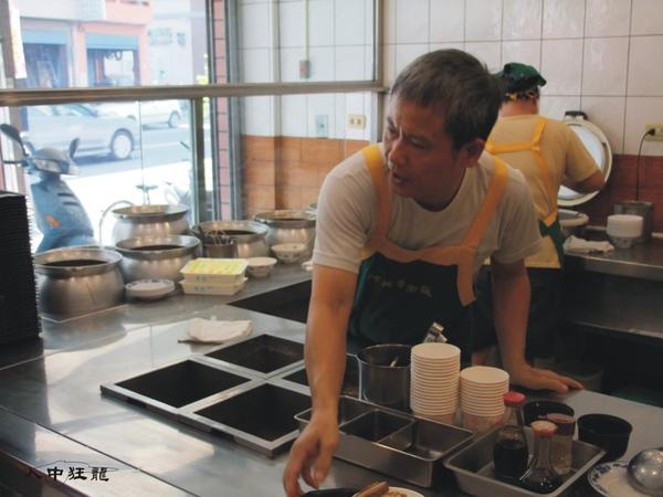 阿興魯肉飯03.jpg