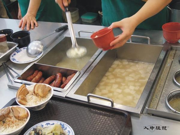 阿興魯肉飯04.jpg