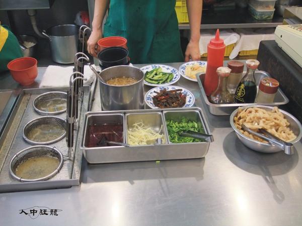 阿興魯肉飯05.jpg