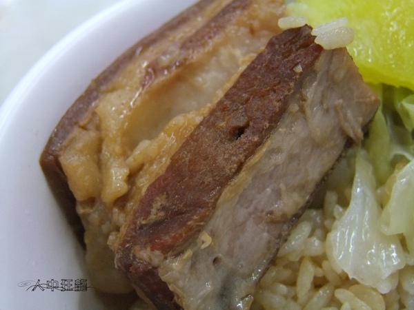 南投埔里李仔哥爌肉飯11.jpg
