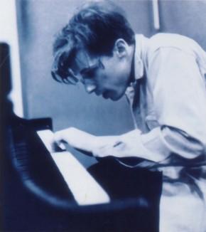 glenn-gould-canadian-pianist.jpg