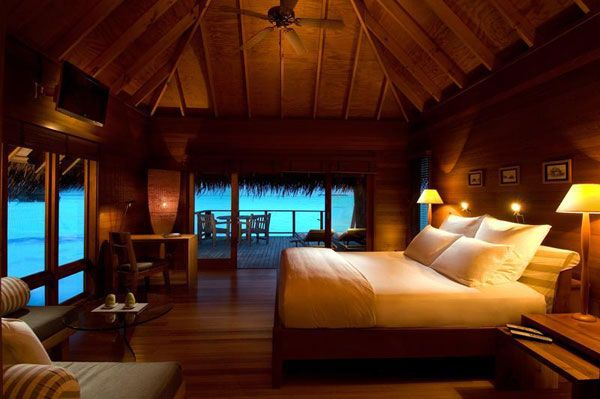 wood-bedroom-villa-resort.jpg