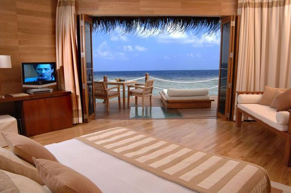 bedroom-view-sea.jpg