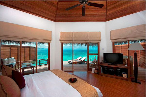 blue-water-bedroom-view.jpg