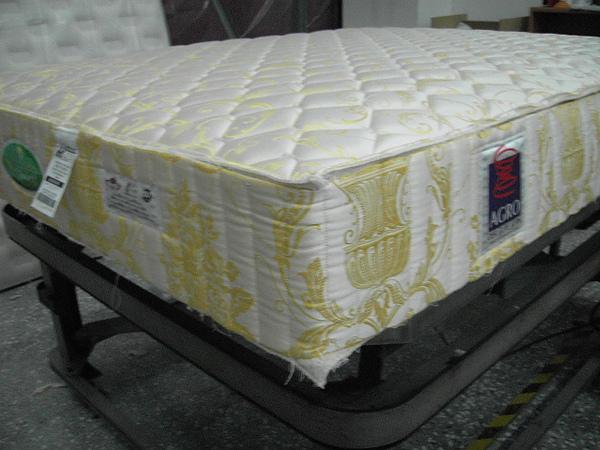 _(5)床墊半成品側面.JPG