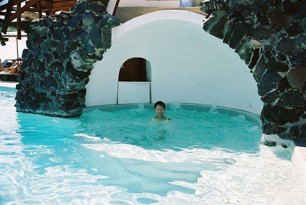 火山洞泳池