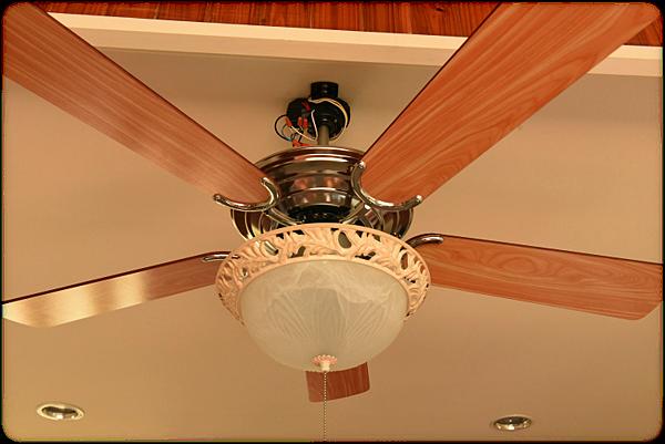吊扇燈01.png
