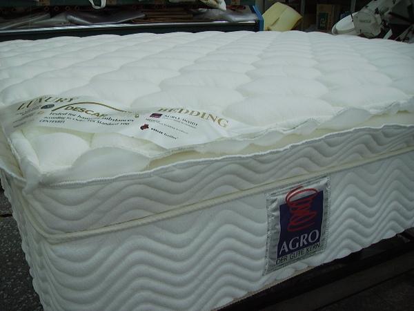 (5)床墊半成品側面.JPG