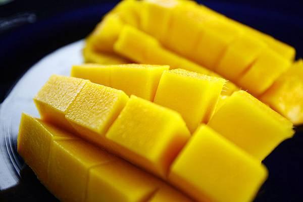 金煌芒果核薄 味香濃甜 無纖維 深受消費者喜愛 可謂水果之王1
