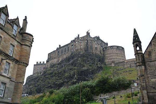 崖上的愛丁堡城堡