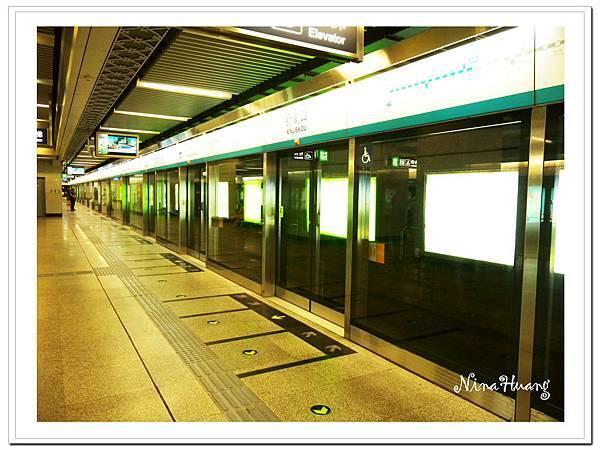 北京地鐵.jpg
