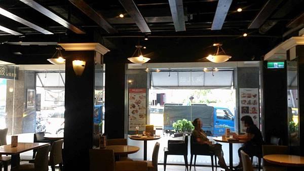 慶城街莫凡比冰淇淋餐廳
