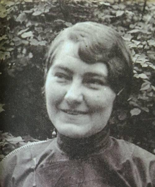 Ms. Minnie Tack